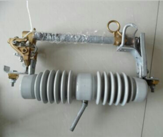 跌落式熔断器RW20-12/200 -出厂价