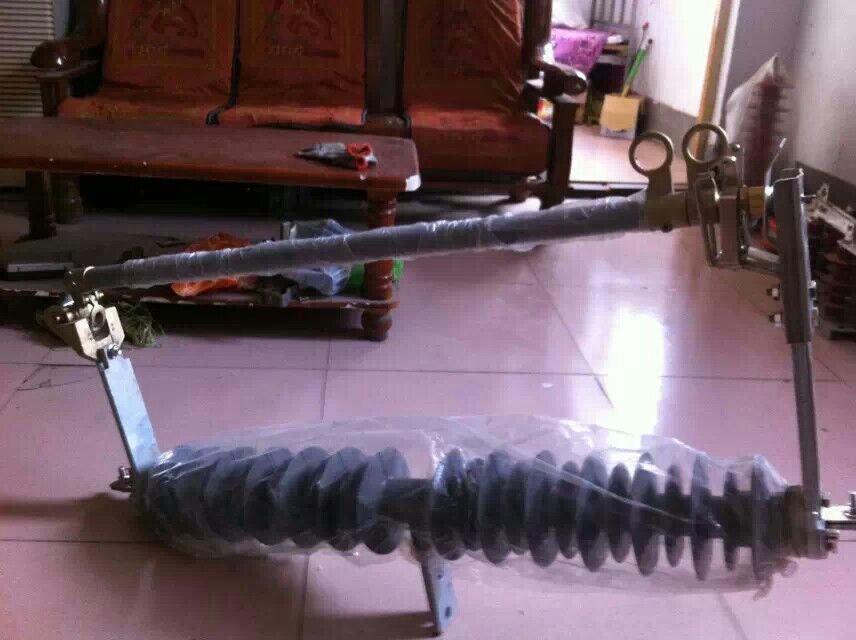 跌落式熔断器HRW12-10KV-100A -厂家直销