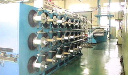 除了在数控机床上的应用,步进电机也可以用在其他的机械上,比如作为