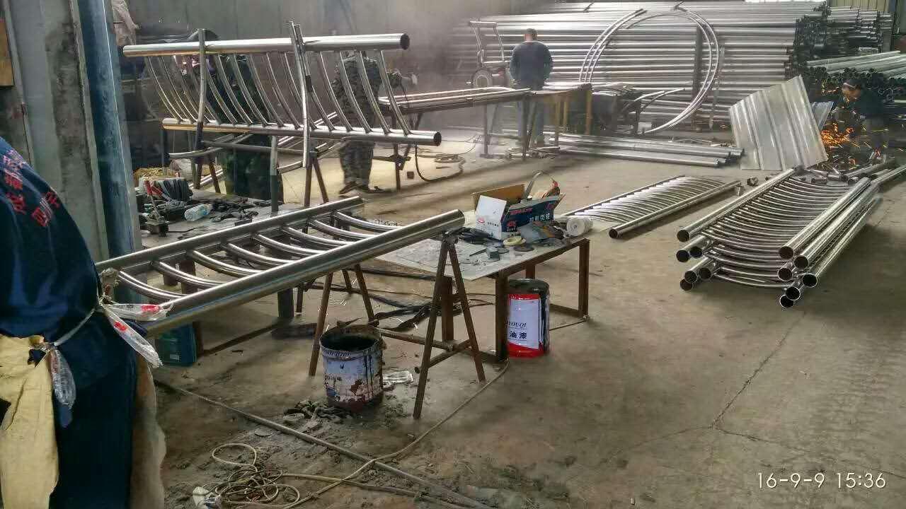铜陵不锈钢碳素钢复合管栏杆 质量好 价格优
