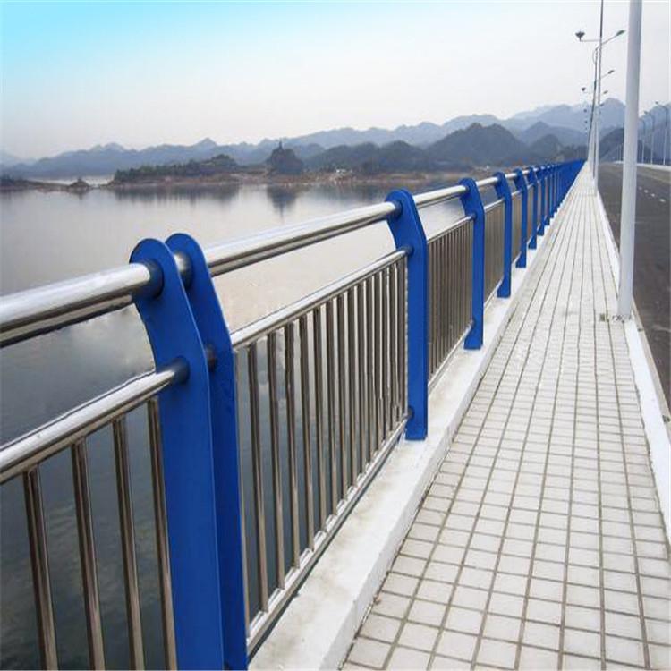 威海不锈钢碳钢复合管栏杆一米价格