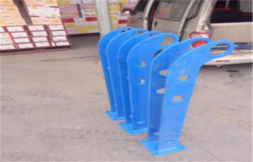 海南防撞方管护栏样式新颖,经济耐用