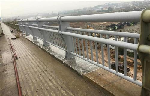 安庆双金属复合管护栏款式新颖多样
