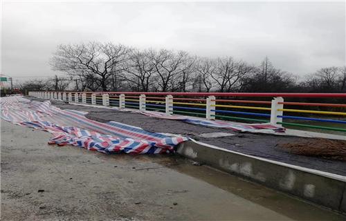 客户为尊山东碳钢管木纹转印景观桥梁护栏