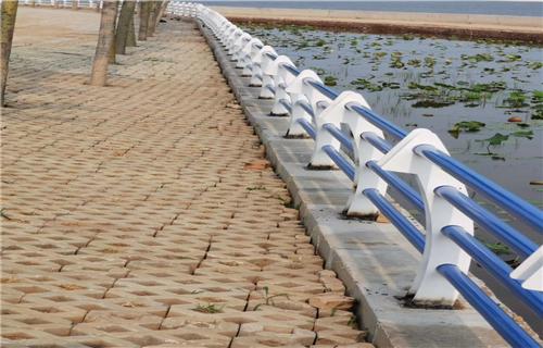 东营复合管桥梁护栏安装知识
