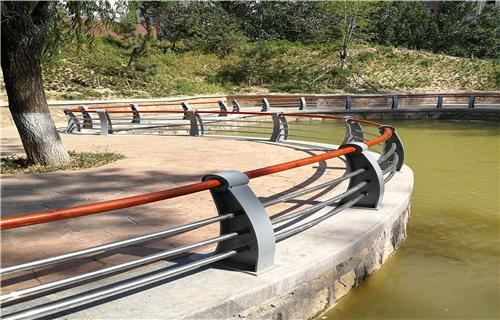 宣城停车场防撞护栏款式创新