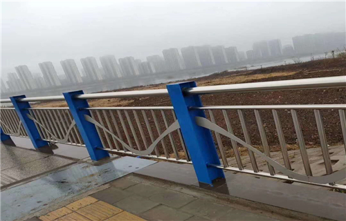 黔西南桥梁防撞护栏美观新颖