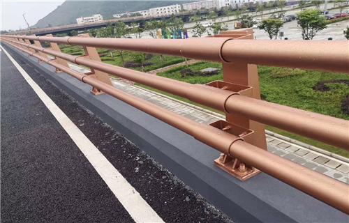 瞧这里:天津乡村道路防撞护栏专业安装