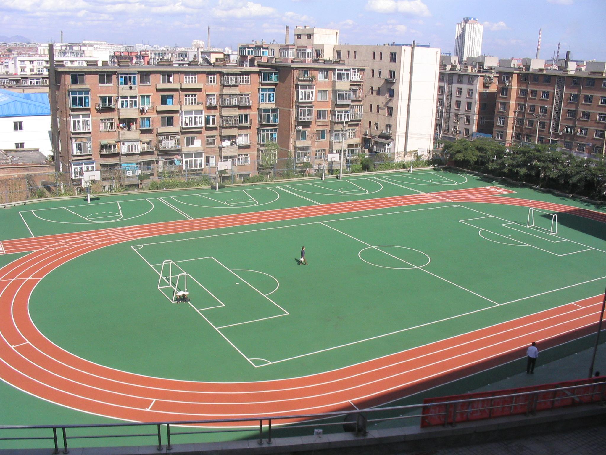 沧浪足球场草坪各种场地施工