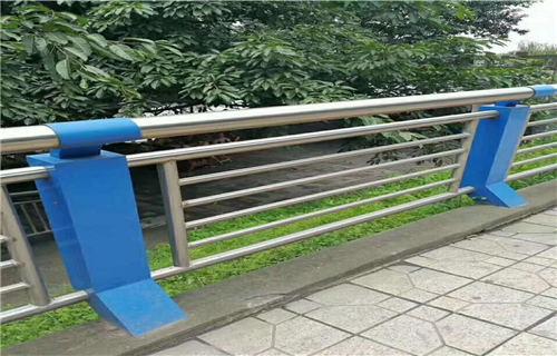 湖南不锈钢复合管道路护栏规格齐全