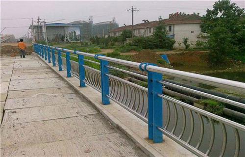 黑龙江304不锈钢复合管专业定制