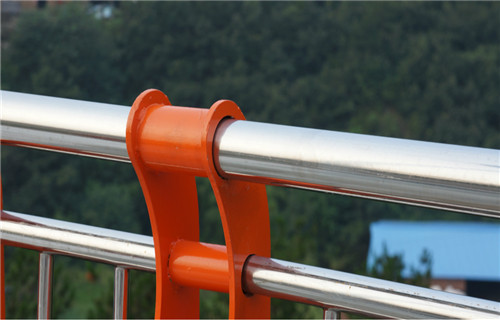 日喀则不锈钢桥梁栏杆型号规格齐全