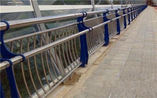 浙江不锈钢复合管护栏立柱定制
