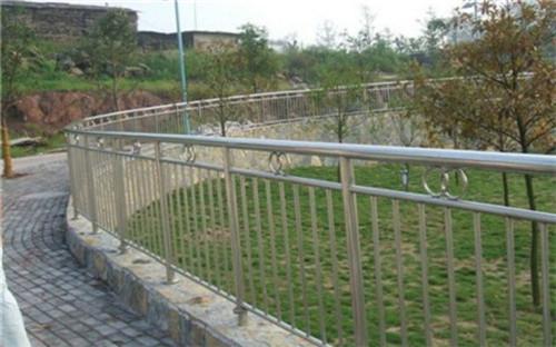 温州外复不锈钢复合管护栏优级质量