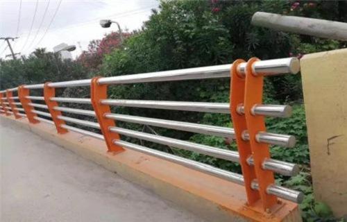 泰州不锈钢、碳素钢复合管护栏焊接