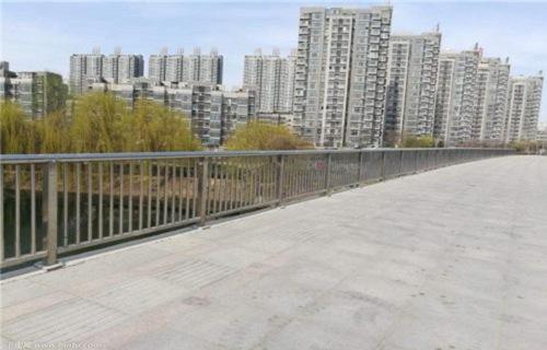 山东不锈钢、碳素钢复合管护栏非常完美