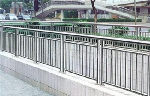 海南外复不锈钢复合管护栏供应厂家