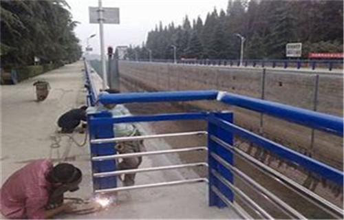 汽车防撞护栏图片集