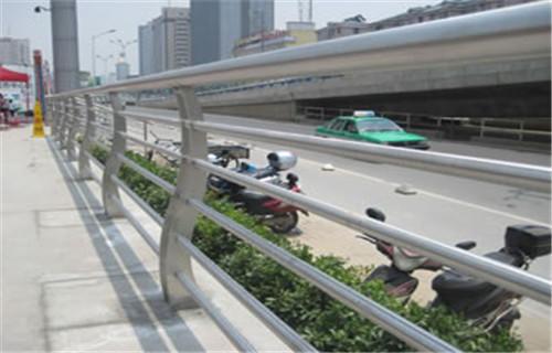 海东不锈钢复合管桥梁护栏厂家发货生产厂家