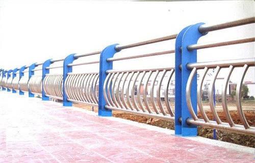金昌304不锈钢复合管桥梁护栏焊接跟厂家合作
