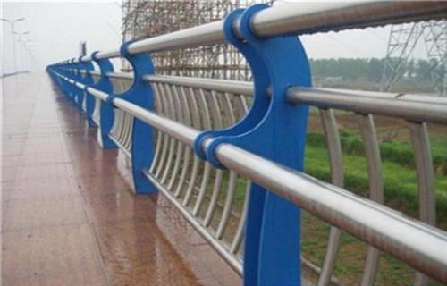 青岛碳素钢复合管护栏批发完美无缺