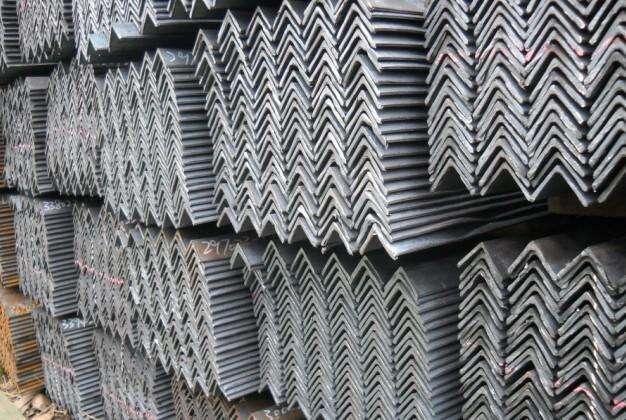 龙凤角钢厂家就找金宏通钢管