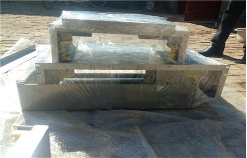 湘潭有荣喜力XH715数控机床专用钢制防护板测量