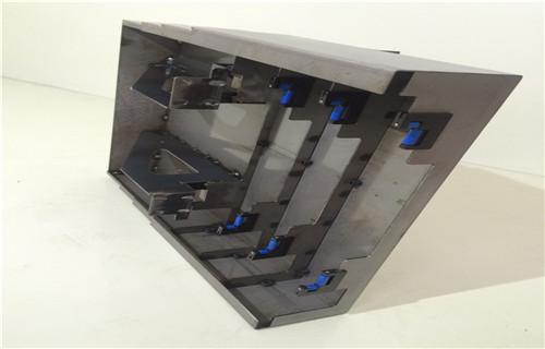 常德国盛MVL850数控CNC伸缩式护板安装