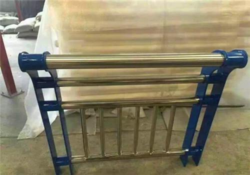 蚌埠不銹鋼橋梁防撞護欄款式多樣