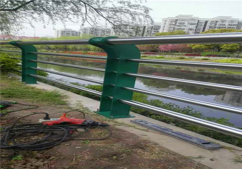 蚌埠不銹鋼橋梁防撞護欄價格