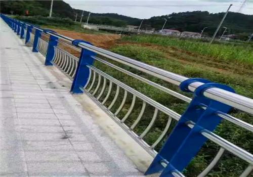 安徽淮北不锈钢碳素钢复合管结实耐用