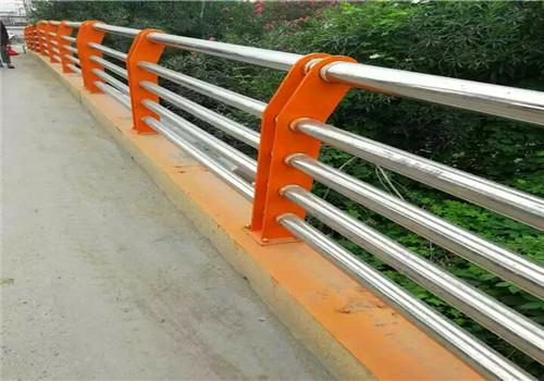 江西不锈钢复合管道路栏杆厂家