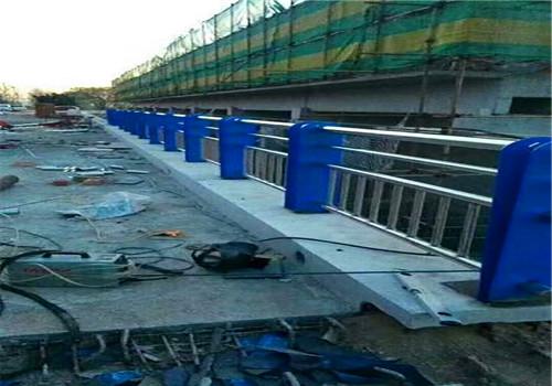 安徽蚌埠不銹鋼橋梁防撞欄桿型號齊全