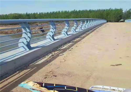黔西南不锈钢非机动车河道护栏优质厂商