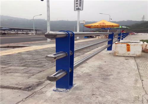 东营人行道桥上隔离栏杆售后完善