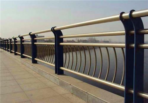 西宁不锈钢桥梁栏杆尺寸