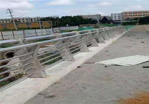 白银不锈钢复合管道路护栏各规格价格
