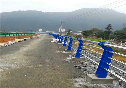 安徽蚌埠道路復合管欄桿廠家生產安裝