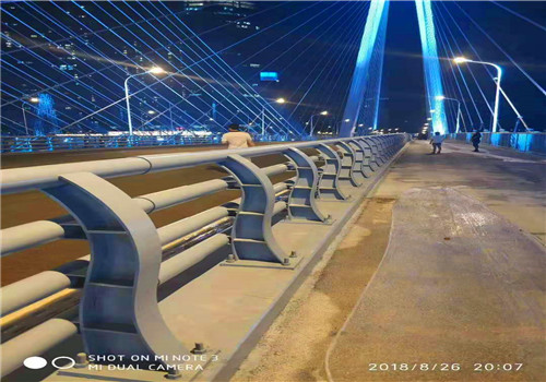 安徽蚌埠304不銹鋼復合管護欄快捷優質的服務