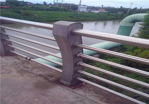 马鞍山桥梁护栏钢板立柱全新报价