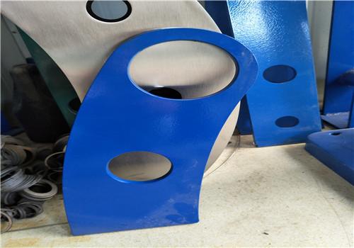安康镀锌喷塑钢板立柱专业制作