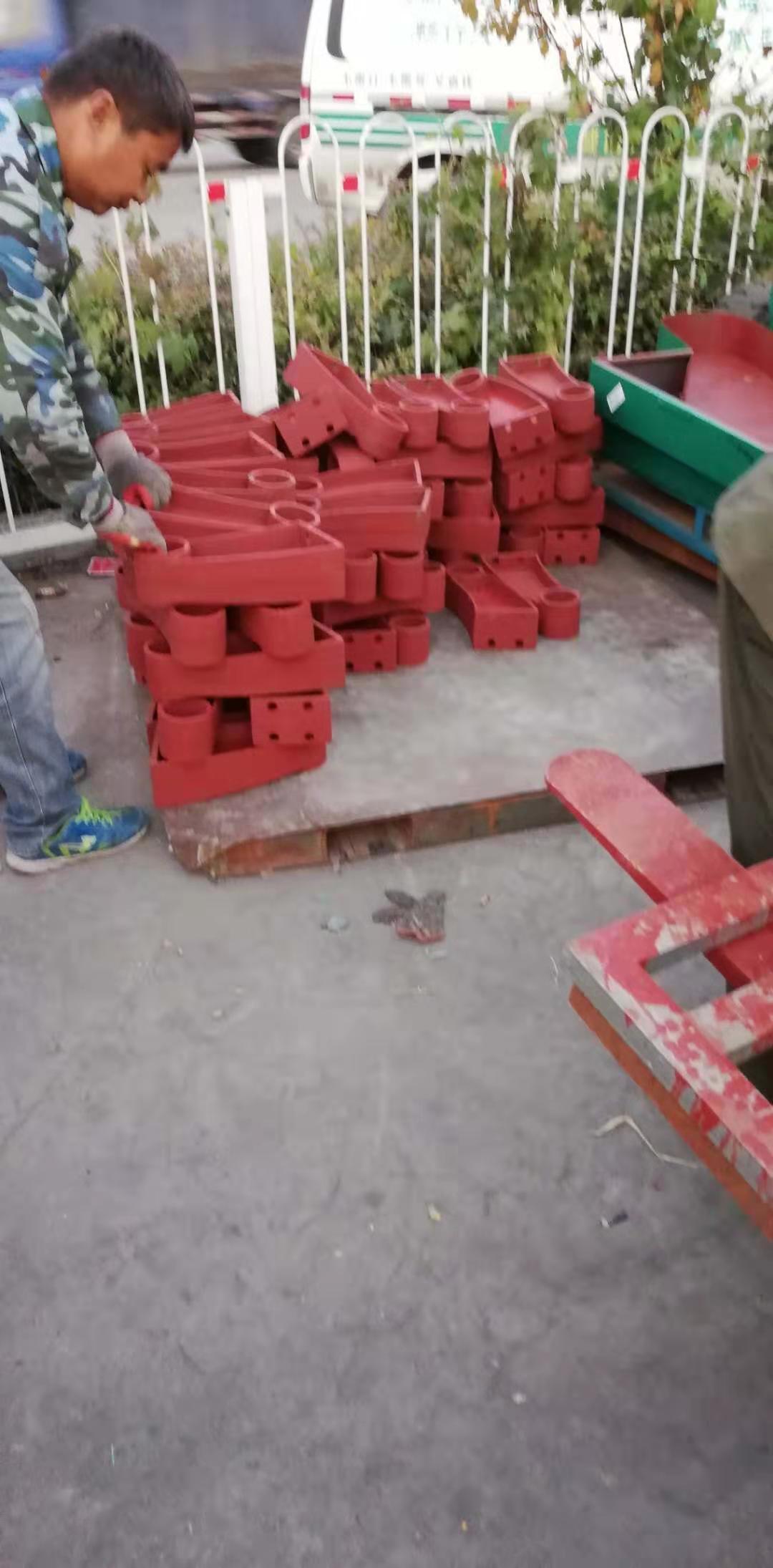 鹤壁焊接防撞护栏支架
