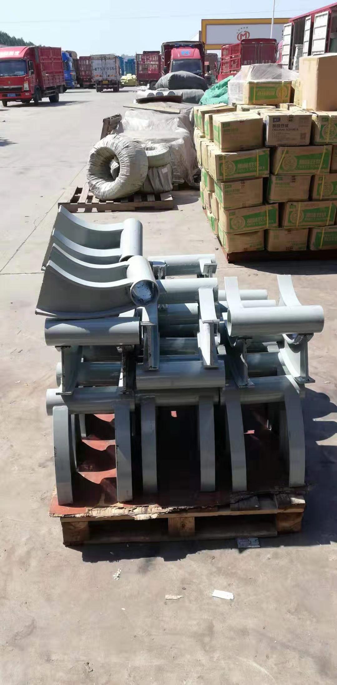 济南防撞护栏支架加工厂