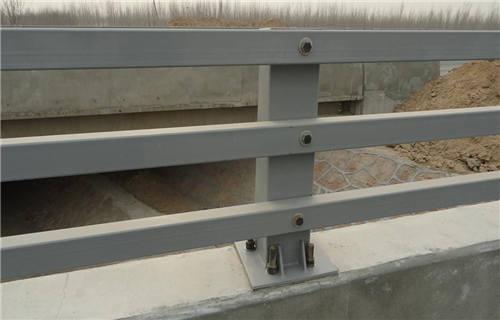 伊犁拉丝不锈钢复合管护栏咨询热线