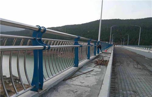 本溪不锈钢天桥护栏实力厂家