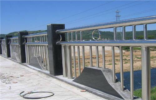 海北拉丝不锈钢复合管护栏值得信赖