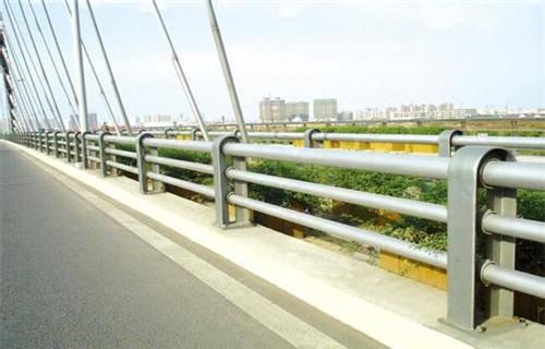 果洛304不锈钢复合管护栏品质保障