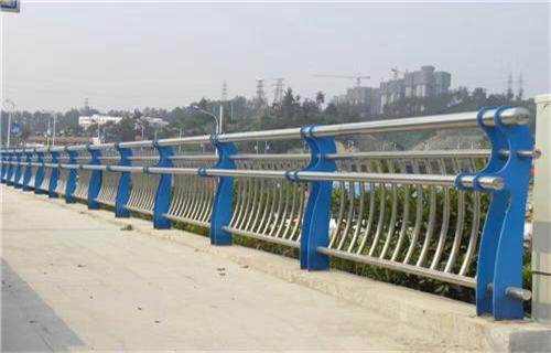 驻马店外衬不锈钢复合管不锈钢桥梁护栏生产经验丰富