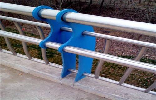 安顺不锈钢碳素钢复合管千吨库存