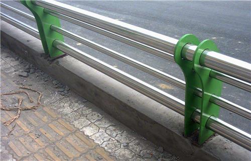青海304不锈钢碳素钢护栏管按图纸定做
